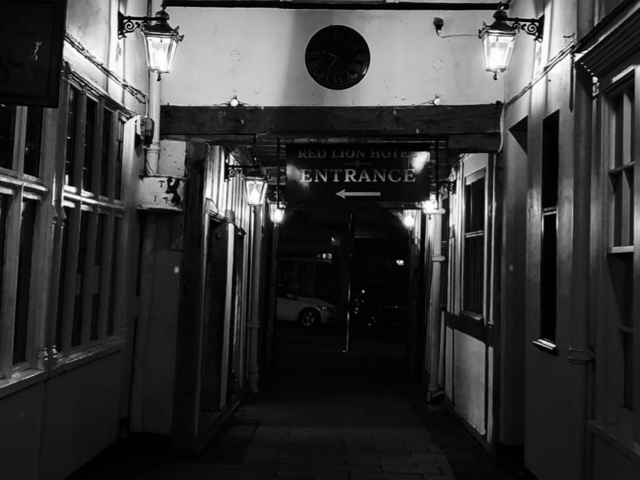 Halloween The Red Lion Hotel Ghost Hunt Colchester Essex Thumbnail Image