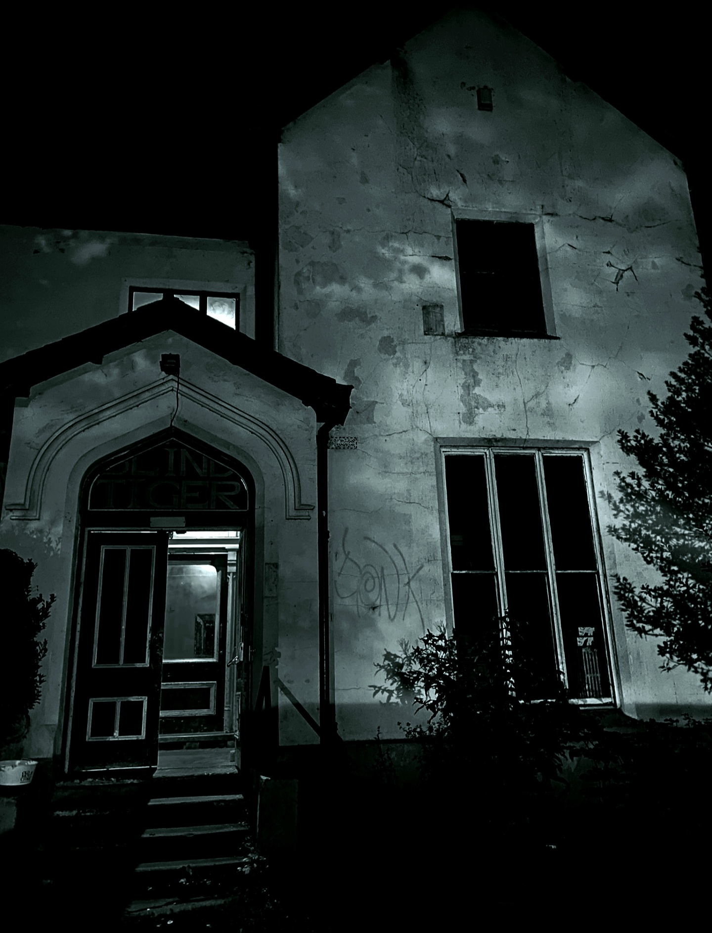 Antwerp Mansion Ghost Hunts Rusholme Manchester Thumbnail Image